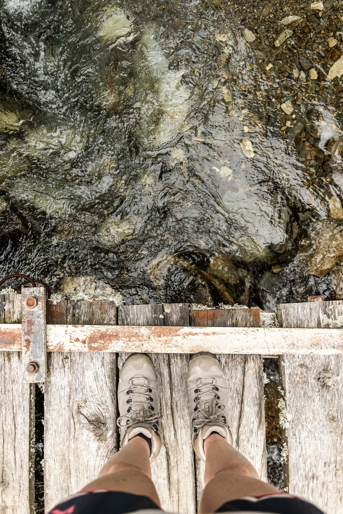 chaussures randonnée ruisseau