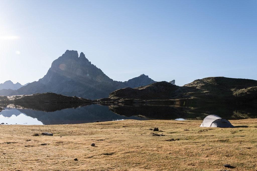 bivouac lac montagne