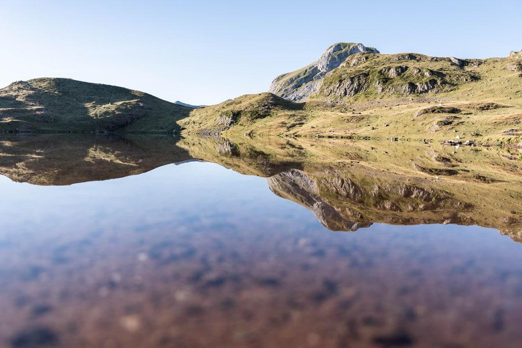reflet montagne lac