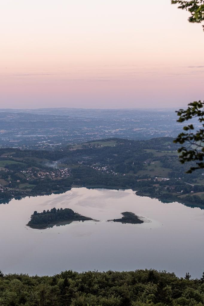 lac Aiguebelette vue de haut
