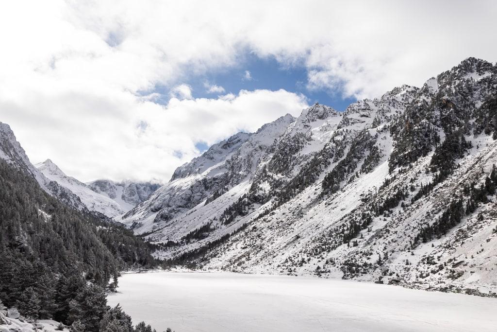 lac gelé montagne