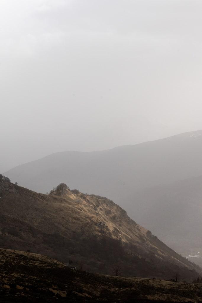 lumière sur crête montagne