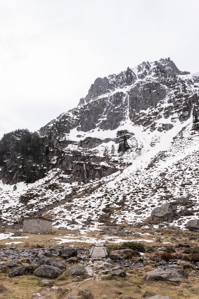 refuge face montagne