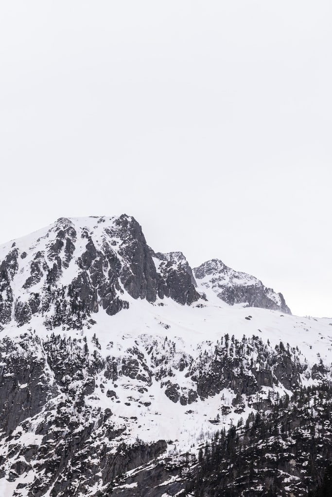 sommet montagne enneigé