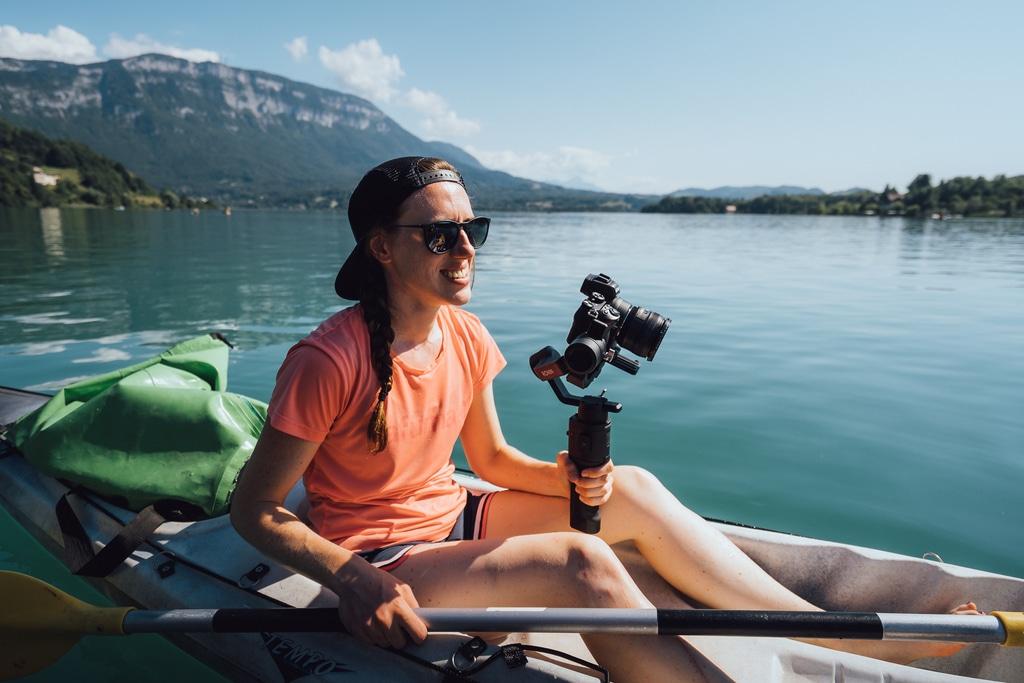photographe dans canoë