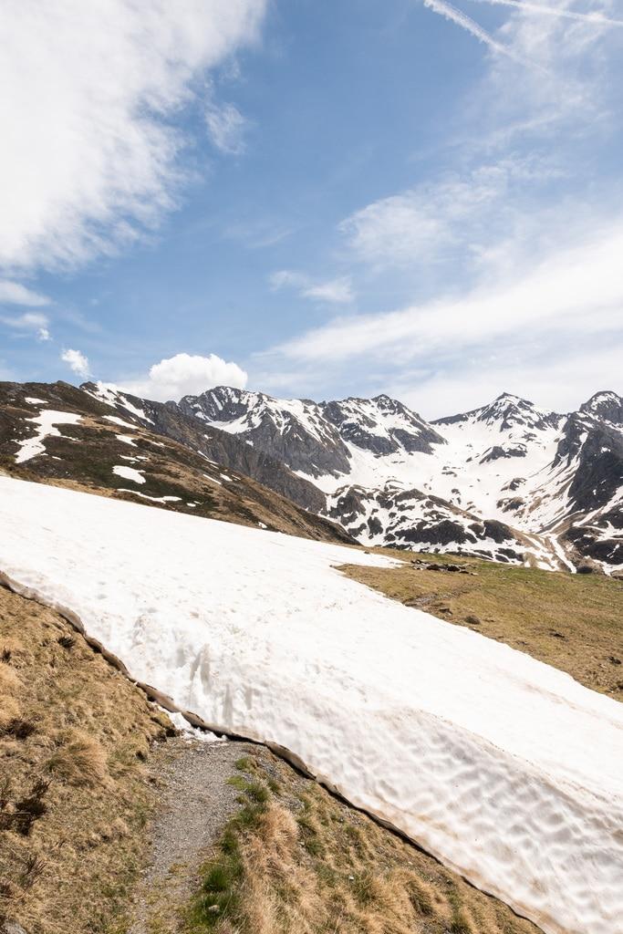 sentier randonnée en montagne