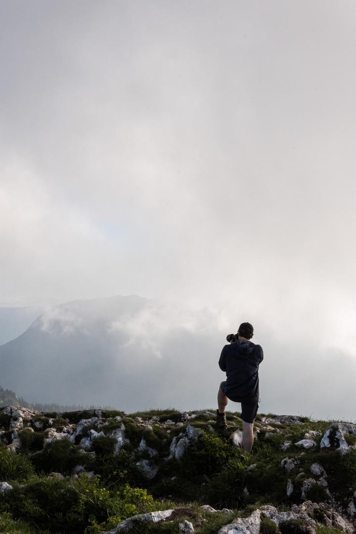 photographe dans la brume