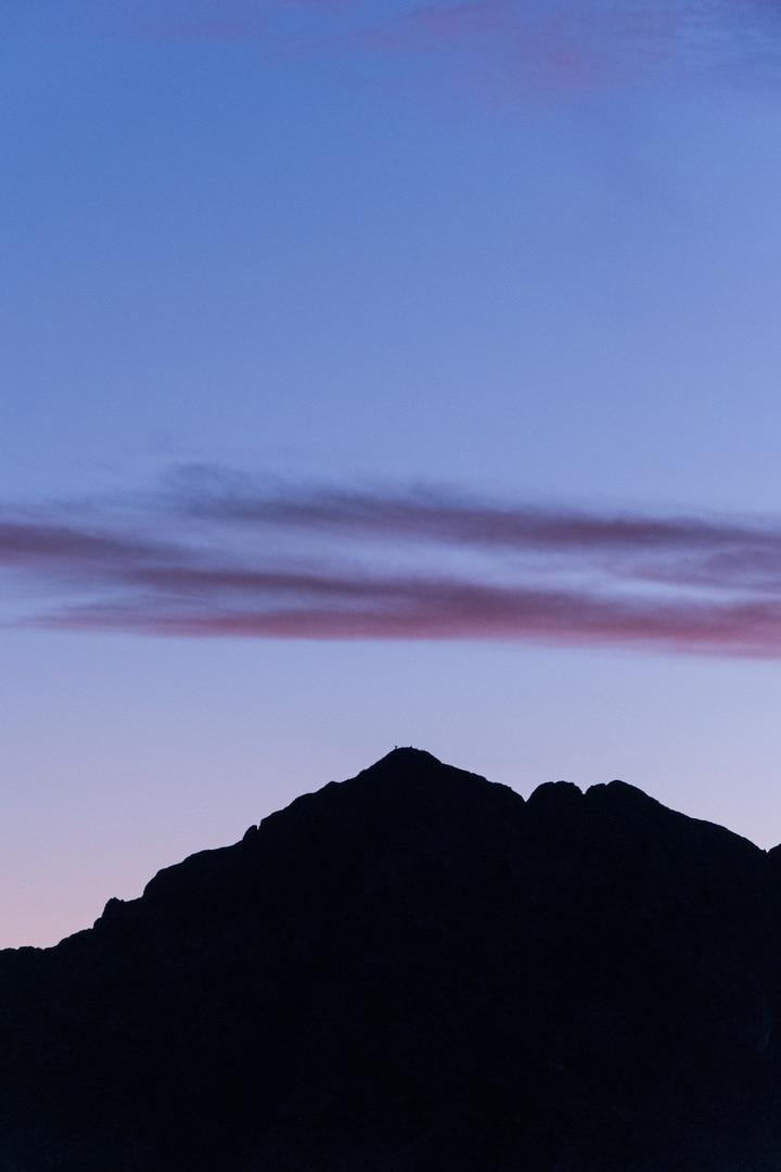 sommet montagne a l'heure bleue