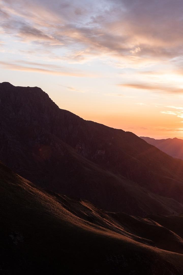 sommet montagne lever de soleil
